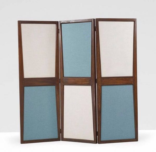A screen/room divider designed by Pierre Jeanneret